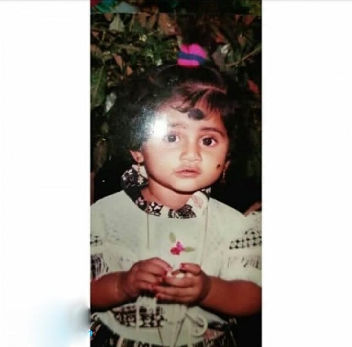 losliya mariyanesan childhood photos