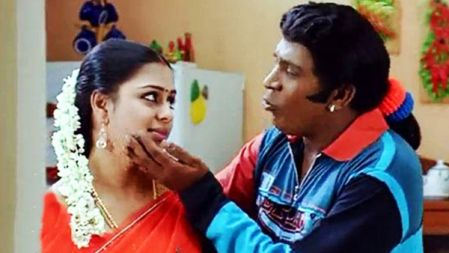 Vadivelu Comedy for address with madman In Bus Stop | Thavasi