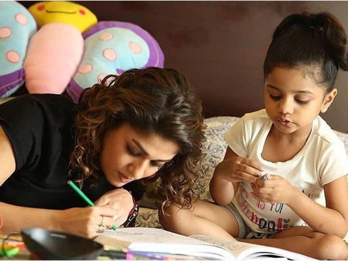 Child actress Manasvi- Photo Gallery