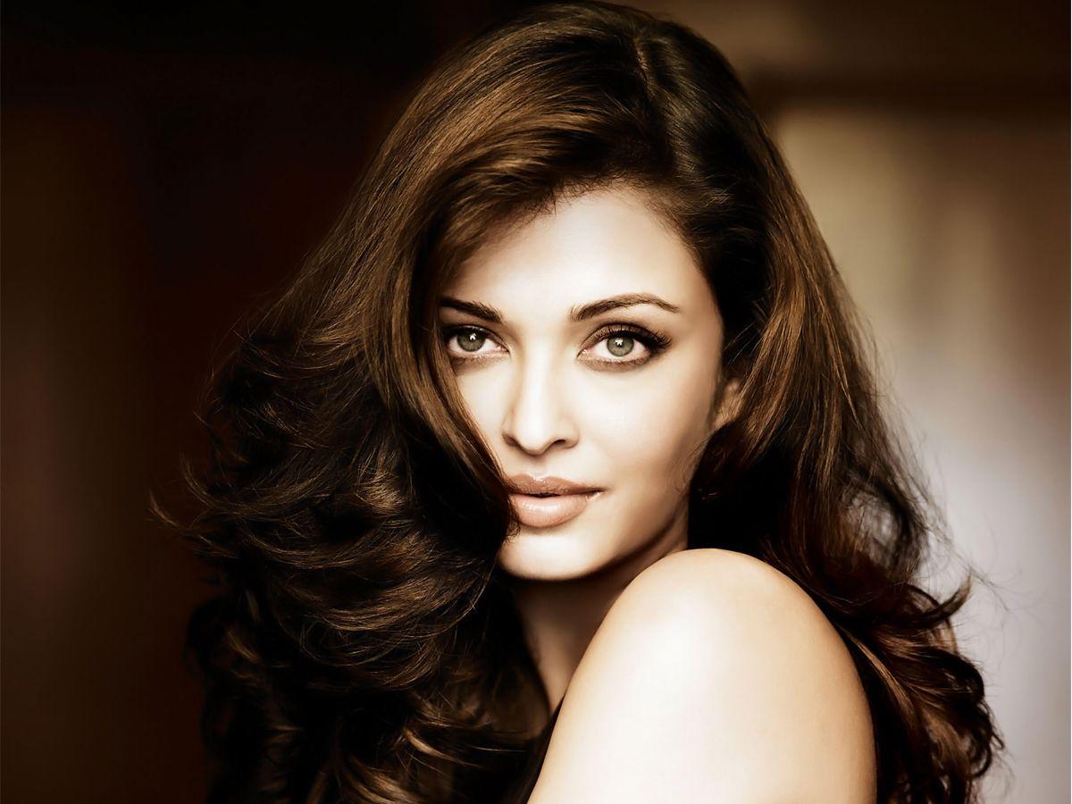 Bollywood Actress Aishwariya Rai HD Images