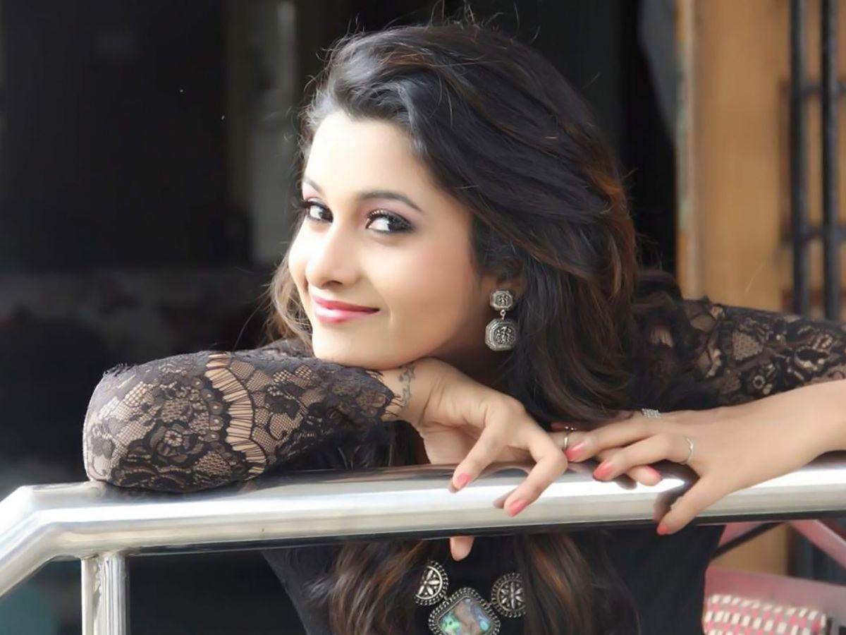 Priya Bhavani Movie Images   Tamil Cinema Actress HD Images