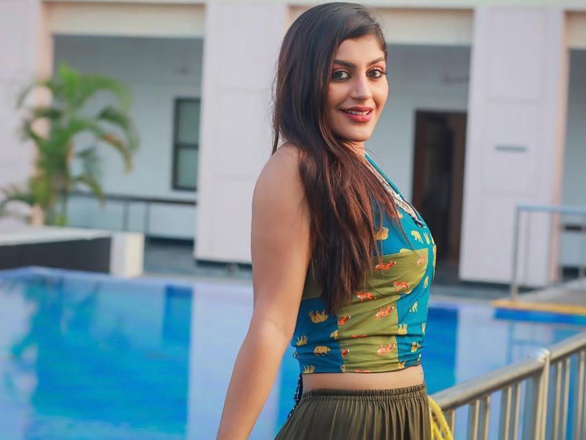 Yashika Aannand HD Images